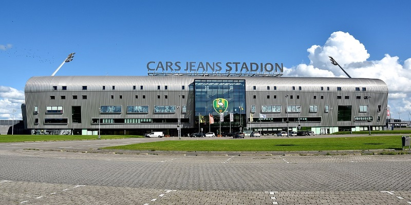 Το Cars Jeans Stadion - Wikipedia