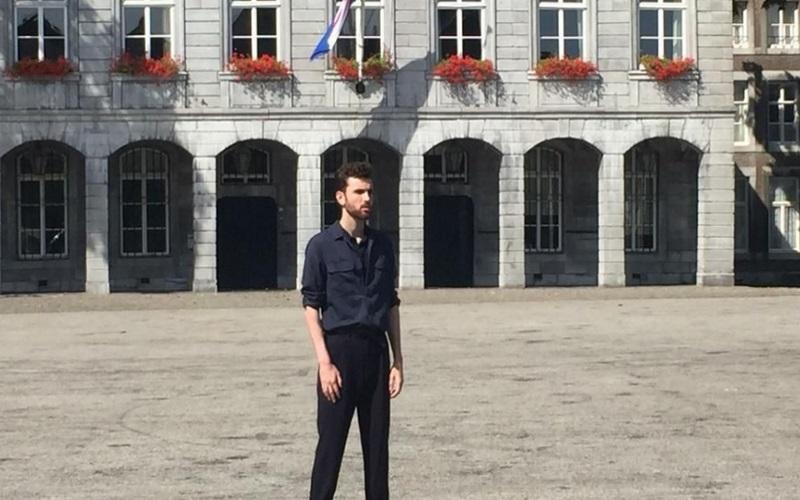 Στιγμιότυπο από το κλιπ με τον Duncan Laurence για την υποψηφιότητα του Μάαστριχτ σχετικά με την ανάληψη της διοργάνωσης της Eurovision 2020 - Πηγή: Tom Berghmans/1Limburg